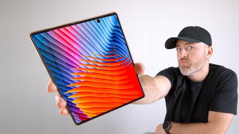Samsung Galaxy Z Fold 2 Unboxing