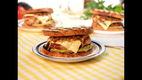 Blue Cheese Chicken Patty Melt | Char-Broil