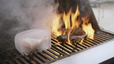 Char-Broil TRU-Infrared Grills: Hot and Cold Spots Video :06