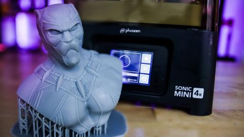 $300 Phrozen Sonic Mini 4K Mono Screen Resin 3D Printer! Initial Impressions