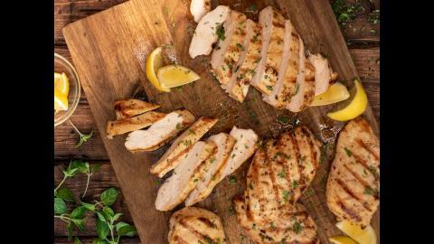 Lemon Garlic Chicken Breast | Char-Broil®