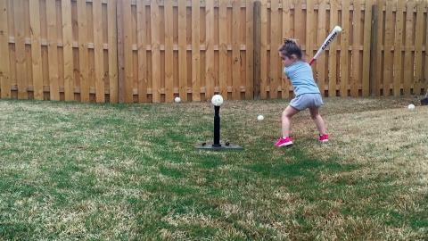 Char-Broil TRU-Infrared Grills: Tee Ball Video :06