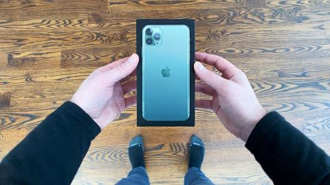 iPhone 11 Pro Max Unboxing - Unbox Therapy