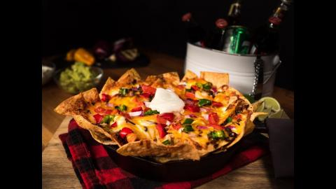 Char-Broil Recipes: Ultimate Chili Cheese Nachos