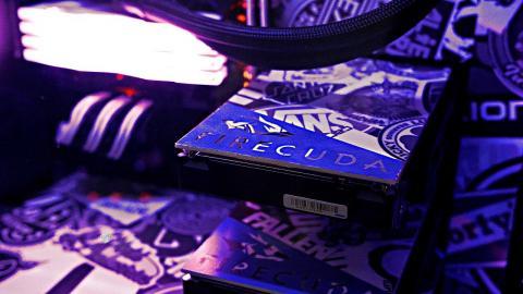 CRAZY Custom Gaming PC Builds & Setup Ft. Seagate